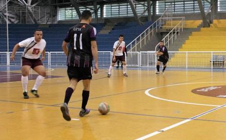 0f2d69b0da773 A 24ª edição do Campeonato de Futsal do Sindpd chegou à nona rodada no  último sábado