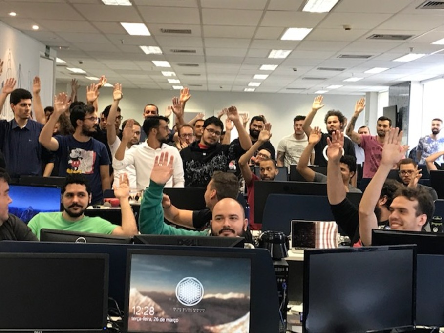 Trabalhadores da Over The Top Network conquistam aumentam real